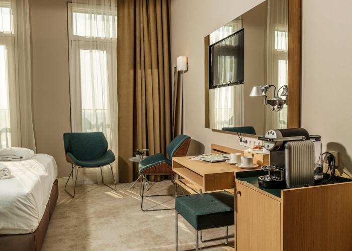 Superior Deluxe suite Amadi Panorama Hotel